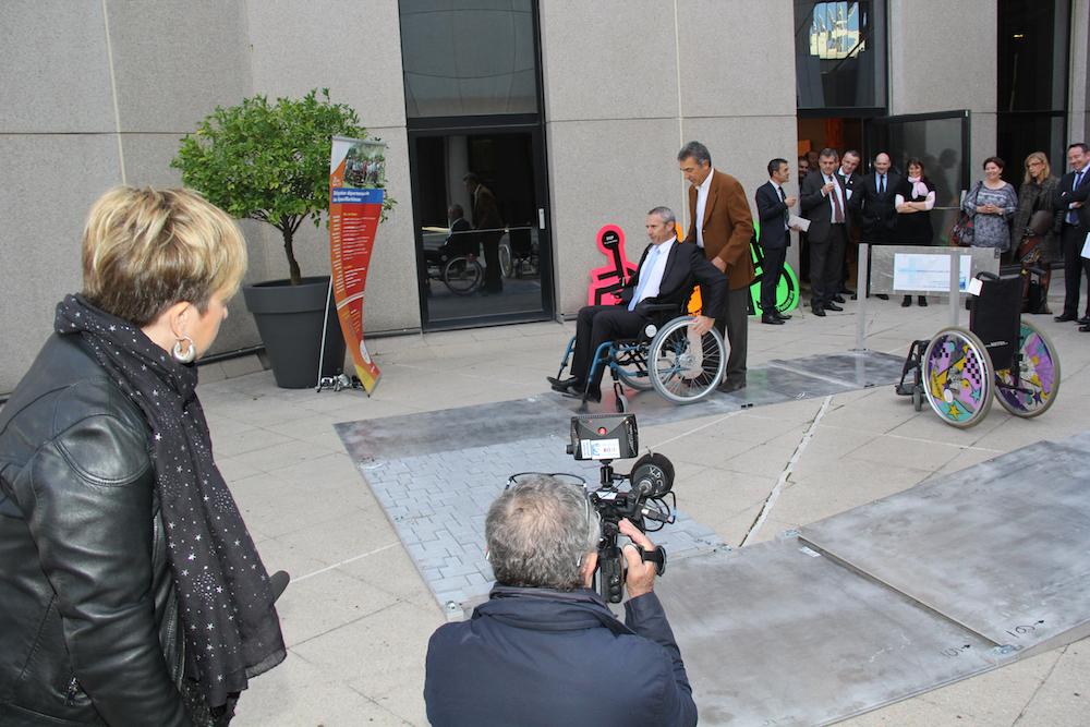 photo La Banque Populaire Côte d'Azur et l'Association des Paralysés de France : ensemble pour l'accessibilité