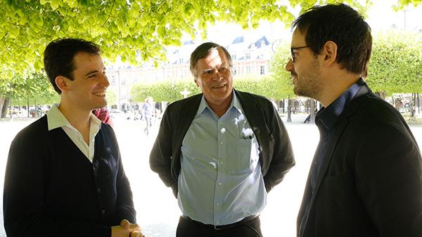 photo Philippe Hersant et les jeunes artistes de la Fondation Banque Populaire